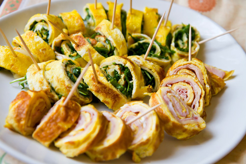 Frittata Rolls with Arugula and Ham Photo